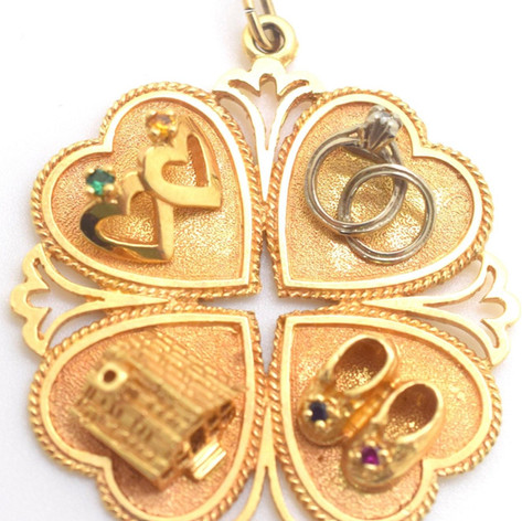 Vintage Family Home Love Pendant 14k Yellow Gold 14.7 Grams