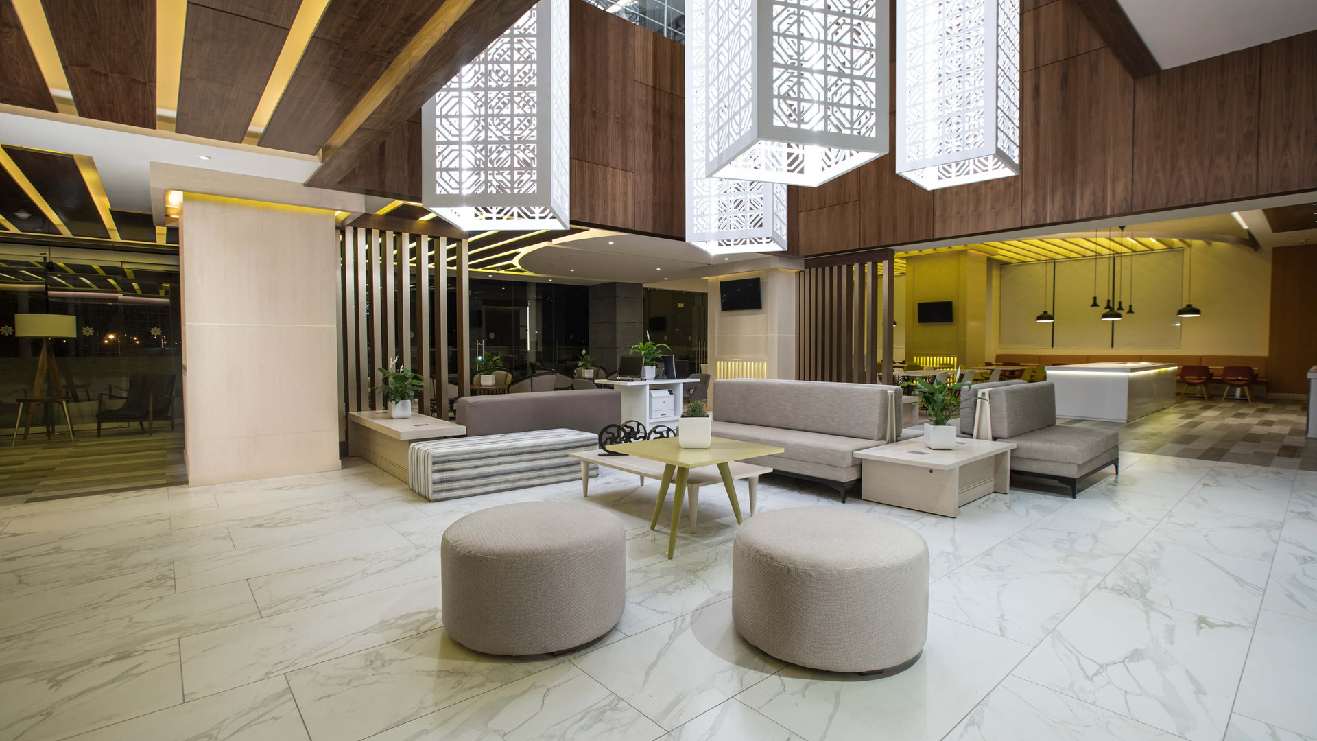 Vista alterna Lobby hotel