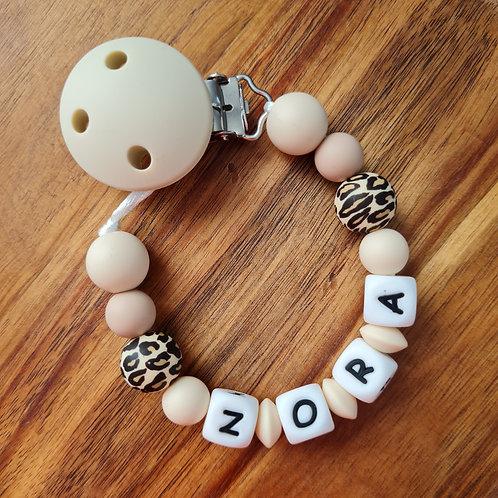 Nuggikette Schnullerkette personalisiert mit Namen Leopard beige Silikon Babygeschenke Wunderdinge