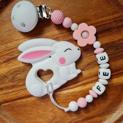 Babygeschenk Beisskette Hase Silikon rosa weiss Geschenk Taufe Geburt Wunderdinge