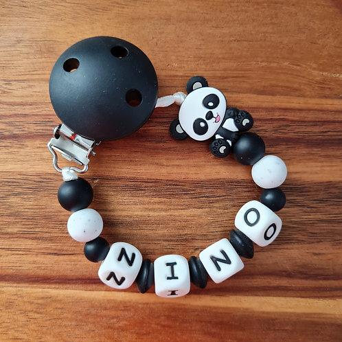 Nuggikette Schnullerkette personalisiert mit Namen Panda schwarz weiss Silikon Babygeschenke Wunderdinge
