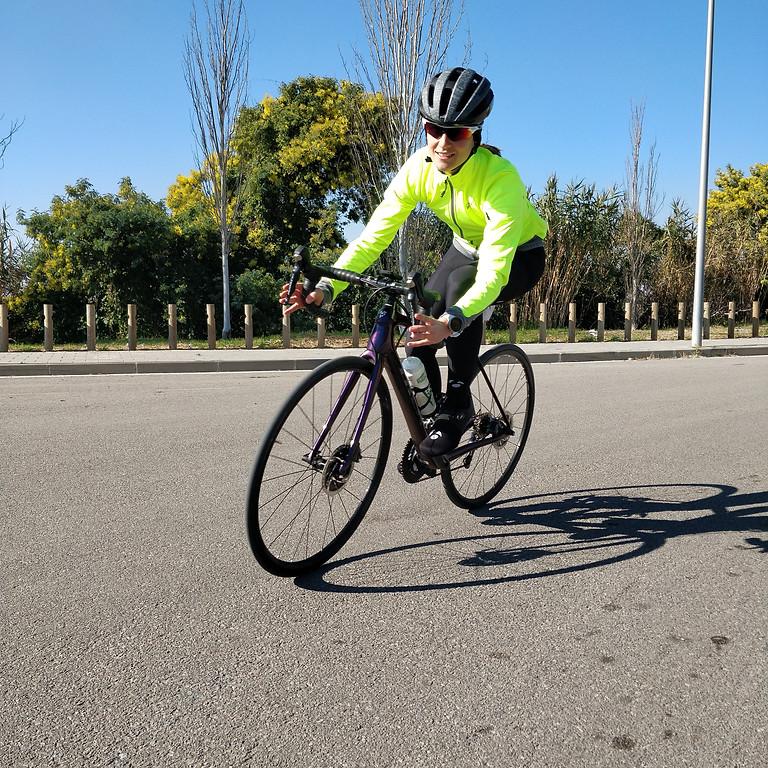 WOMEN CYCLING CAMP by SARA CARMONA