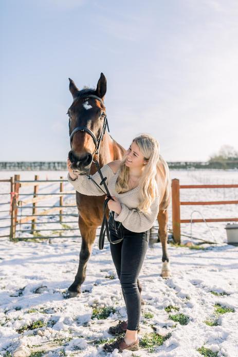 Snowy day - Equestrian