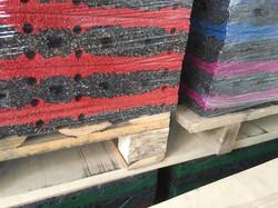 Резиновая плитка из рубиновой крошки