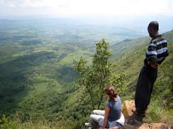 écovolontaire et Sam à Igana view point
