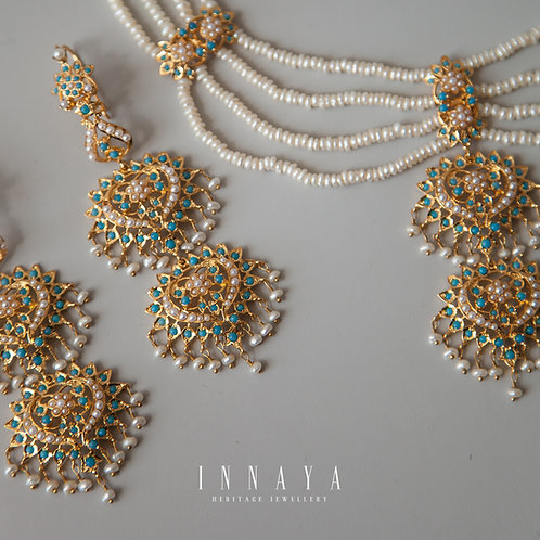 Komal Necklace and Earrings