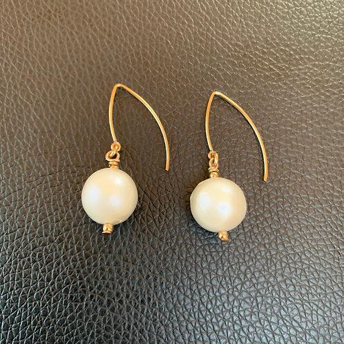 Timeless Baroque Pearl Earrings