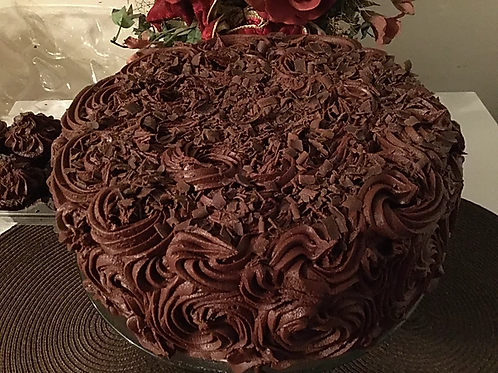 Butter Cake with Milk Chocolate Frosting & Cocoa Shavings
