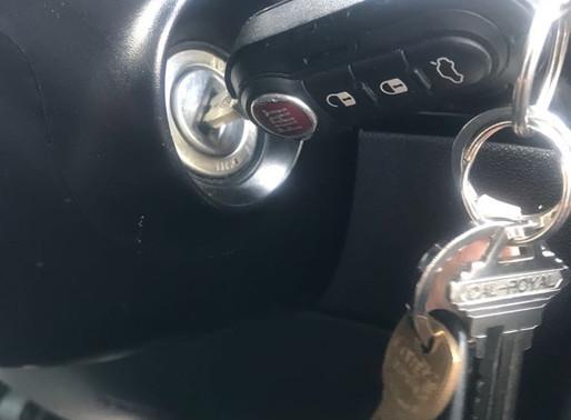 La llave del carro no gira en la ignición?