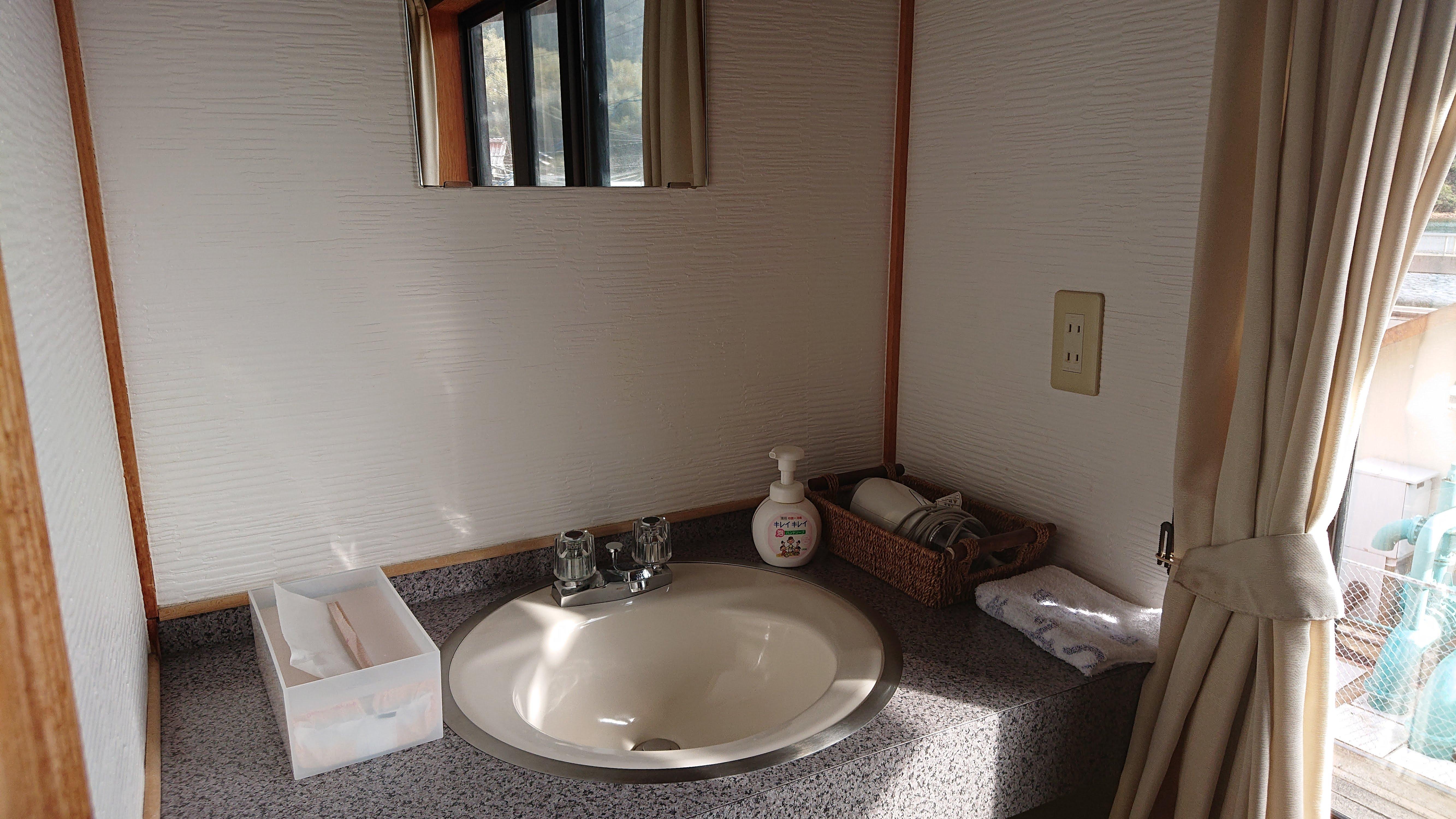 客室内洗面場