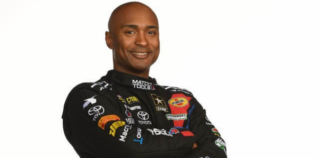 OntheSetStyling_USArmy_AntronBrown_Mensg