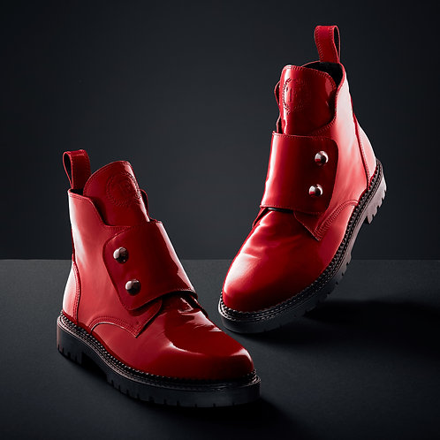 Red lacquer boots