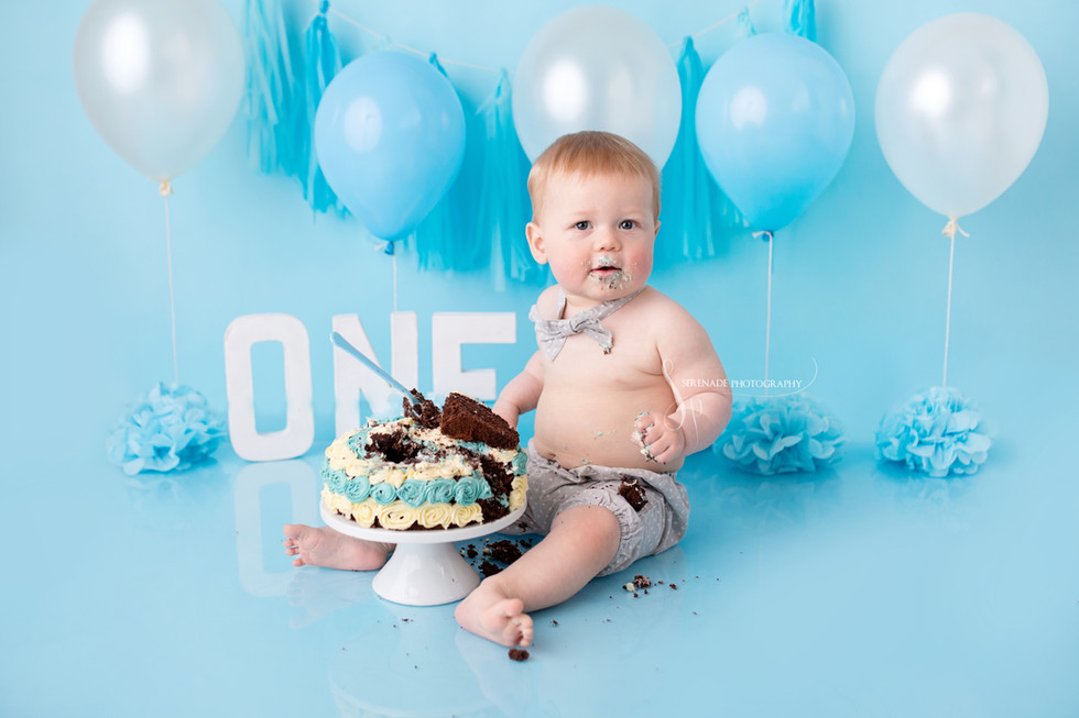 Zach's First Birthday Cake Smash and Splash session