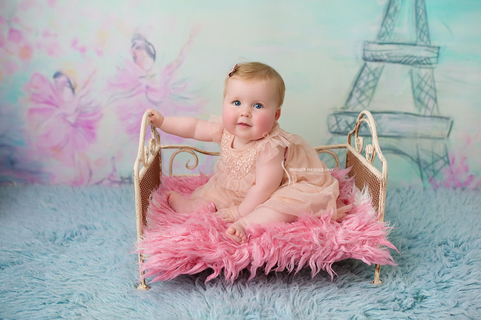Sitting up session for babies 6-10 months. Chester baby photographer.
