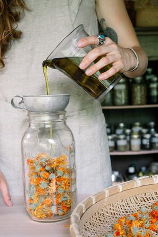 Herbal Oils for Homemade Soaps_HK (2).jp