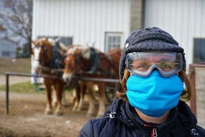 Amish communities in Michigan sew scientifically designed face masks for Navajo Nation