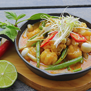 (TOM KHO TO) Coconut Braised Prawns in Clay Pot