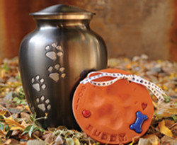 Paw Print Urn with ClayPaws® print