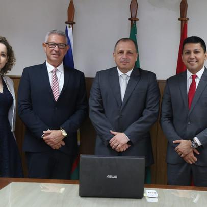 Faculdade Cathedral e Tribunal de Justiça de Roraima assinam Termo de acesso ao Projud