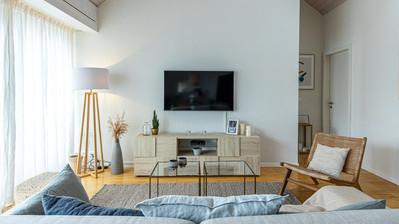 Interior28.jpg