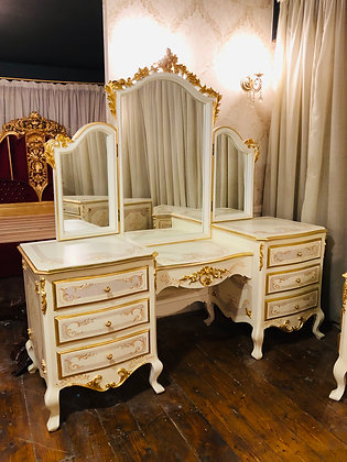 makeup console with mirror