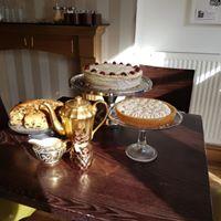 Lemon Meringue Scones tea Cake