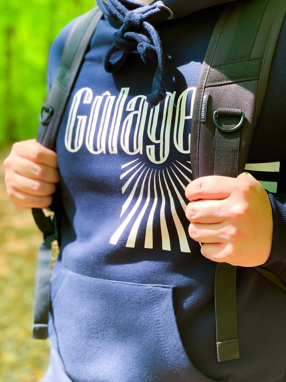 Navy blue hoodie of Gulage Clothing with japanese sunset stripes.