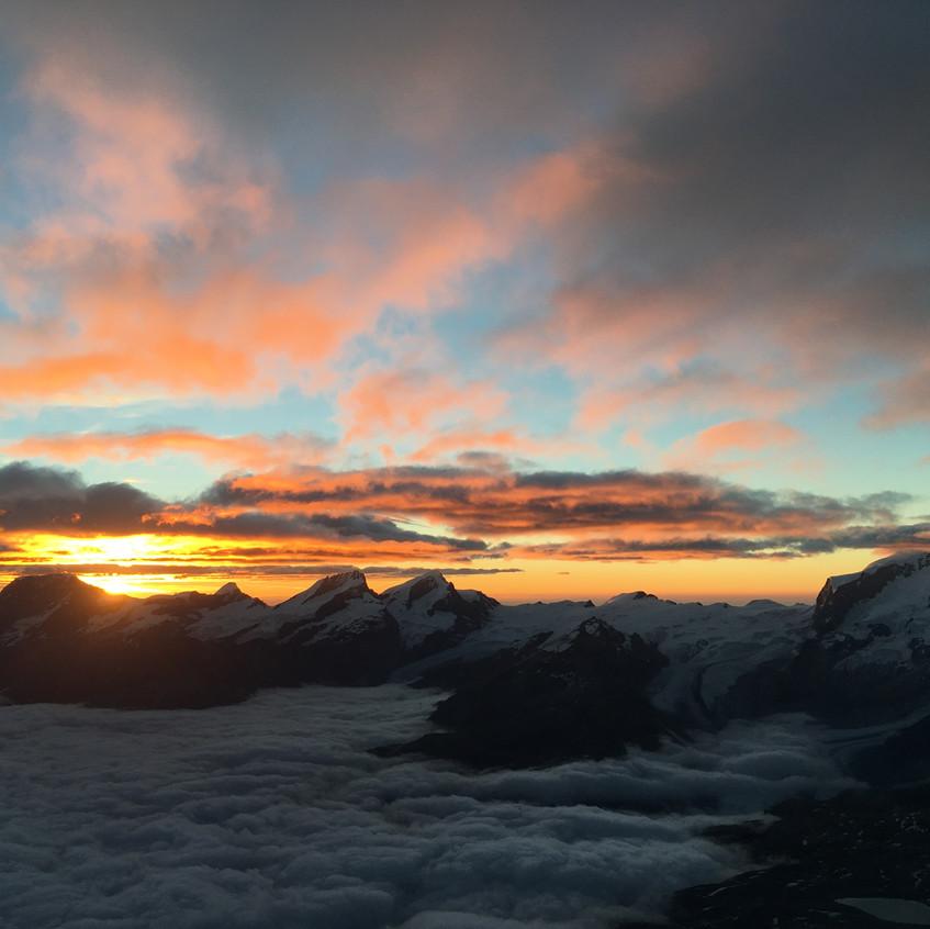 Lever de soleil sur Zermatt.
