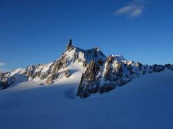 DENT DU GÉANT 4013 m (Mont Blanc)