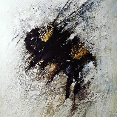 Cracked Bee
