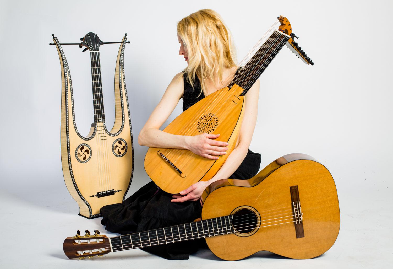 Ieva Baltmiskyte Lyre lute guitar