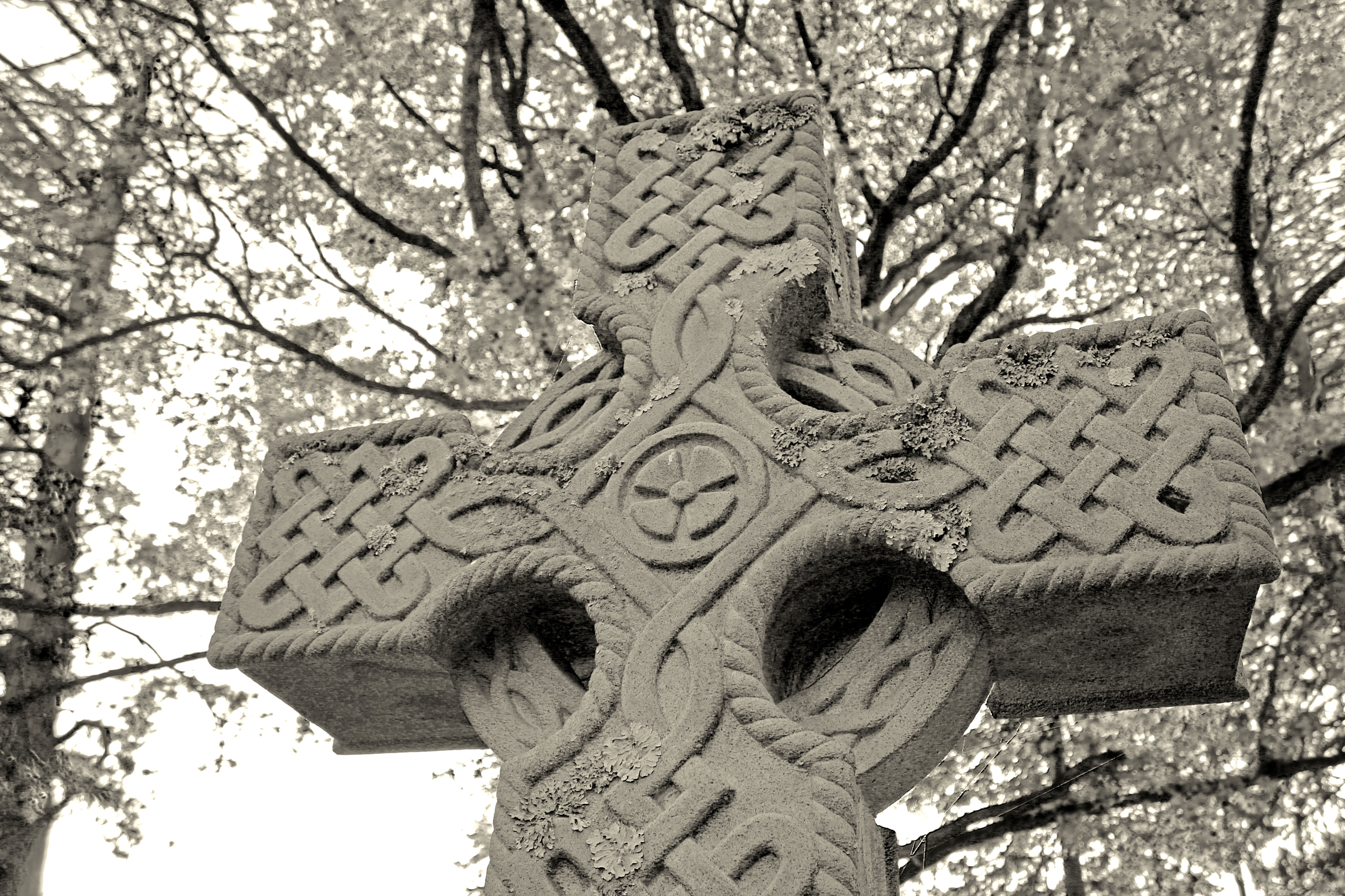 Celtic Cross BW1