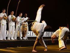 Capoeira_demonstration_Master_de_fleuret