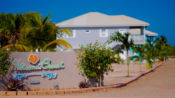Entrance to Hibiscus Beach