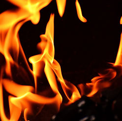 fire-2204171_1280.jpg