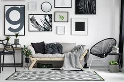 Nyanser av grått i vardagsrum