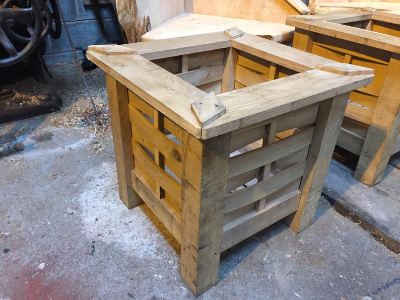 Handmade Oak Planter 1.jpg