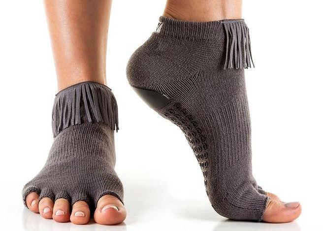 Arebesk-grip-sock-fringe-open-toe-grey_2