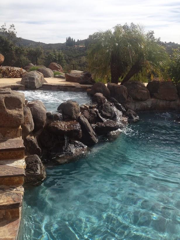 clean-blue-pool