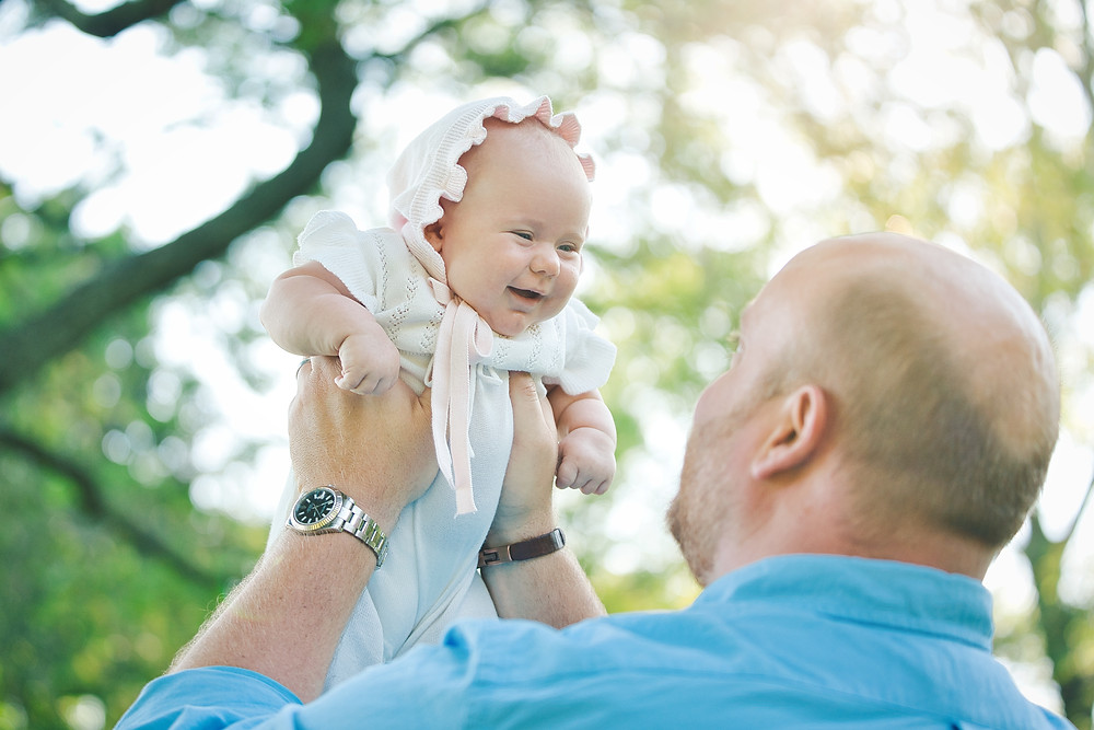 Outdoor Lifestyle Newborn Photography during COVID-19