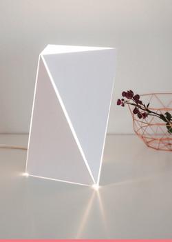 trimono_white_table_balken