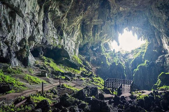 Wind & Fairy Caves