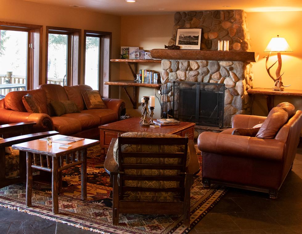 Dog-Creek-Lodge_Homepage-Slide08.jpg
