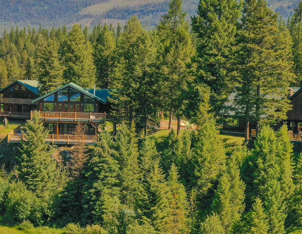 Dog-Creek-Lodge_Homepage-Slide01.jpg