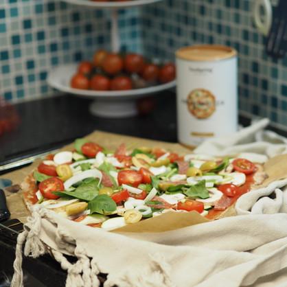 Selbstgemachte Protein Pizza von foodspring