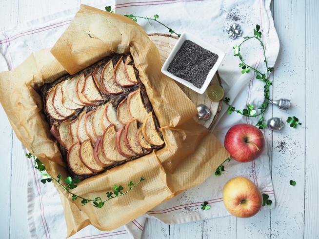 Apfelkuchen mit Mohn