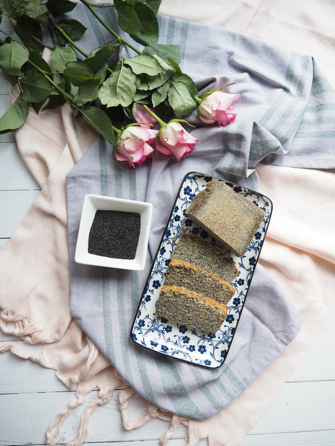 Kuchen mit schwarzem Bio-Amaranth