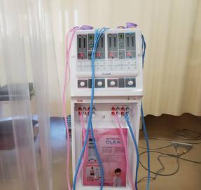 低周波・干渉波組合せ治療器