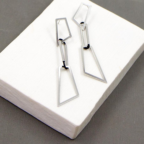 Edgy Geometric Link Earrings in a Silver Finish @ Remona