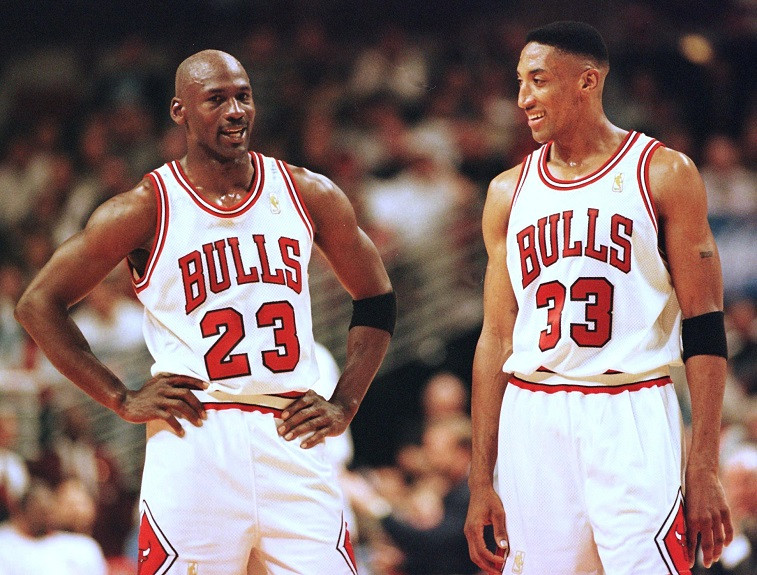 Micheal Jordan you cannot do it alone: Want to be Like Mike? 20 Life Lessons from Michael Jordan
